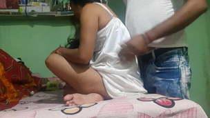 Desi sexy woman  enjoy kar rahi he padosi ke sath me look at