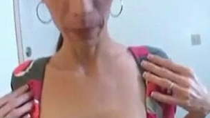 Who is this sexy mommy?