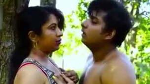 Reshma bhabhi has lovemaking affair outside house