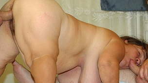 midget couple&rsquo, s first threesome