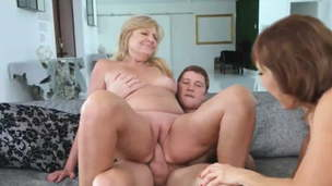 threesome with two grannies